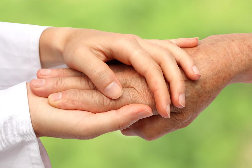 Plan alzheimer poursuivre les efforts engag s bien au for Aide aux parents en maison de retraite
