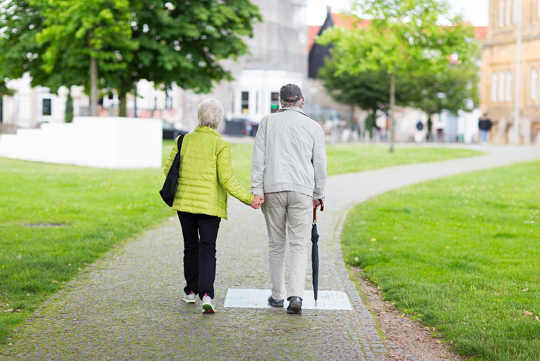 Aide aux aidants alzheimer les maisons de retraite for Aide aux parents en maison de retraite